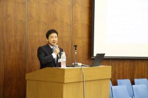 第1部の特別講演の講師は衆議院議員の瀬戸さん(S59)です。