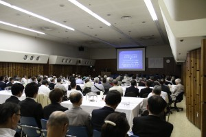 演題は「巨大地震に備えて ―東日本大震災支援の経験より―」でした。
